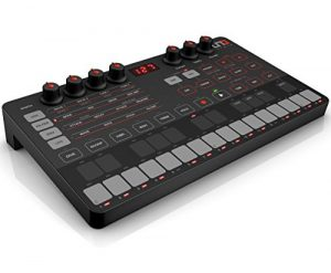IK Multimedia IP-UNO-SYNTH-IN Synthétiseur Analogique