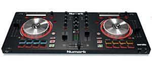 Numark Mixtrack Pro 3 – Contrôleur DJ 4 Voies pour Serato DJ avec Interface Audio Intégrée, Jog Wheels 5″ et Serato DJ Lite et Remix ToolKit de Prime Loops Inclus