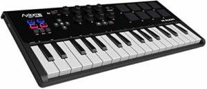 M-Audio Axiom Air Mini 32 – Clavier Maître MIDI 32 Touches Sensibles à la Vélocité et 8 Pads Sensibles avec ProTools | First, Eleven Lite, Ableton Live Lite & Xpand!2 d'AIR Music Tech