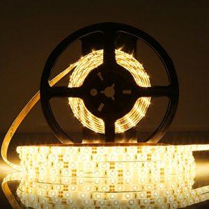 LEDMO LED Flexible ,DC12V SMD 2835 Ruban LED ,IP65 étanche 3000K Lumière Blanche Chaude LED chaîne lumineuse flexible , 300LEDs ,Pack de 5M(16.4 ft) ,[Classe énergétique A]