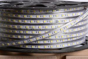 aftertech® Bobine Unique 100m LED Strip Bande d'extérieur 220V blanc neutre 4500K