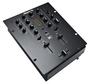 Numark M2 – Table de Mixage 2 Voies pour le Scratch avec EQ 3 Bandes, Ensemble Complet d'Entrées, Entrée pour Microphone et Crossfader Remplaçable, Commandes de Crossfader Inversé et de Slope