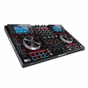 Numark NVII – Contrôleur DJ 4 Decks à Double Affichage pour Serato DJ (Inclus) avec Plateaux en Métal 5″, 16 Pads Sensibles au Toucher et Packs Artist de Toolroom