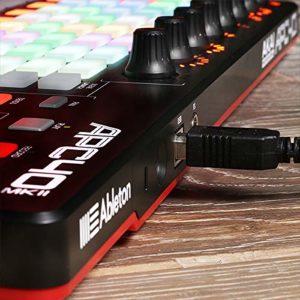 AKAI Professional APC40 MKII – Contrôleur Ableton Live USB Complet et Compact avec 40 Pads Retroéclairés, Grille 5×8 Rétroéclairée RVB, 9 Faders pour Production Musicale et Remix