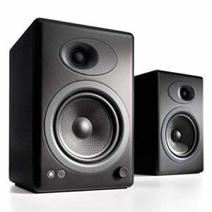 Audioengine A5+ Classic 150W Enceintes d'étagère amplifiées | Amplificateur analogique intégré | Télécommande | Entrées RCA et 3,5 mm | Câbles fournis (Classic, Noir)