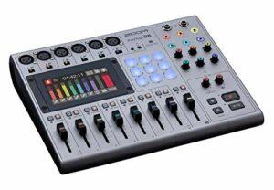 Zoom P8 Mixeur/Enregistreur Podcast Portable