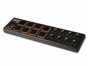 AKAI Professional LPD8 – Contrôleur USB/MIDI Ultra Compact avec 8 Pad Rétro-Éclairés Sensibles à La Vélocité et 8 Potentiomètres Q-Link